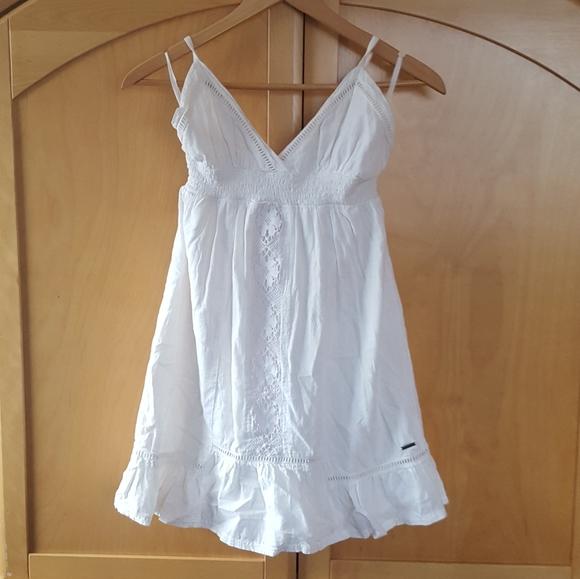 White element cotton criss cross tie back dress